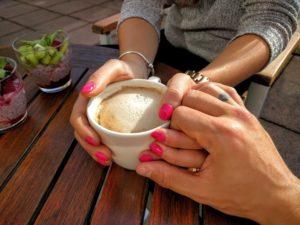 coffeeholdinghands